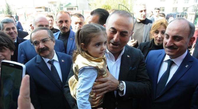 Çavuşoğlu: Milliyetçi kendi nefsine yenilip de PKK'lılarla aynı safta yer alamaz
