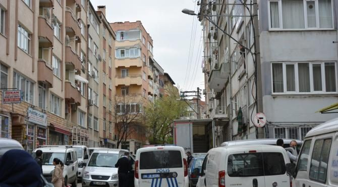 Bursa'da, kendisini aldattığını öne sürdüğü eşini öldürdü