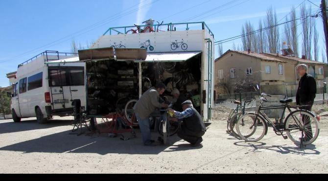 Seyyar bisiklet tamircisi