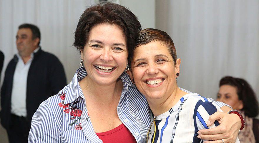 DESTEK İÇİN ALMANYA'DAN GELDİ Almanya'da yaşayan SÖZCÜ okuru Suzan Çetin, Adana'ya gelerek toplantıyı izledi.