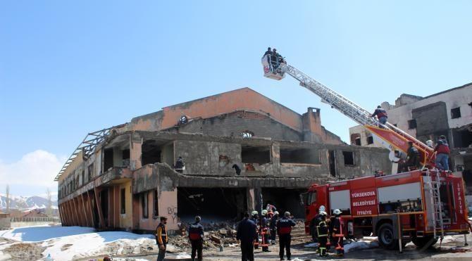 Yüksekova'da kaza ve yangın tatbikatı