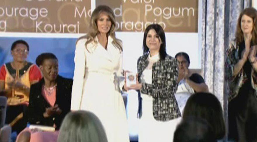 Saadet Öğretmen ödülünü Trump'tan aldı