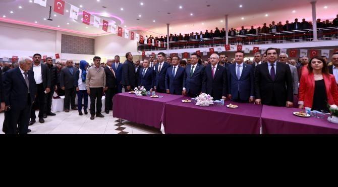 Kılıçdaroğlu: Binali Bey 80 düğme olsa 8 saniyede hepsini ilikler (2)