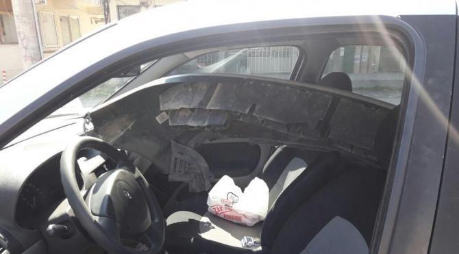Kaza yapan sürücü polisi görünce tamponunu alıp kaçtı