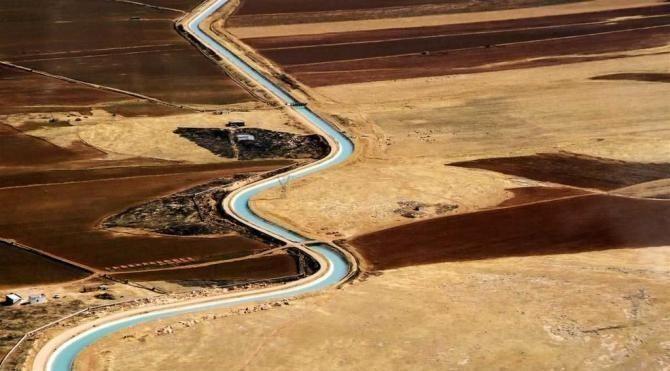Atatürk Barajı Gölü'nden Mardin'e su sağlayacak kanalda sona gelindi