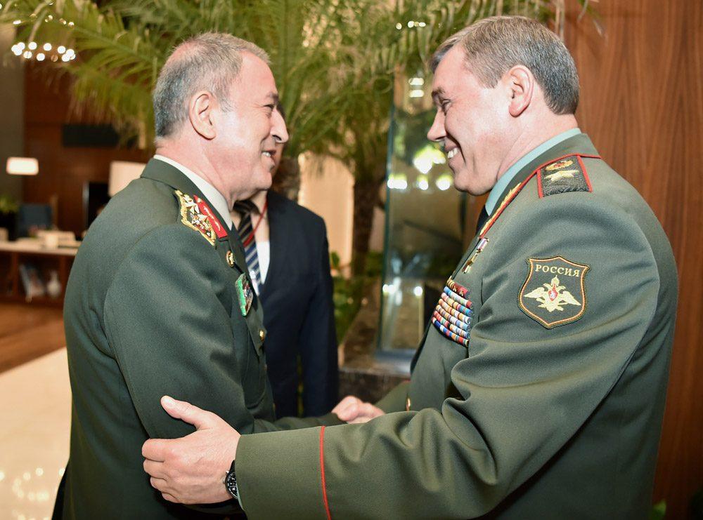 FOTO:DHA - Hulusi Akar, Rus mevkiidaşı ile son olarak Antalya'da biraraya gelmiş ve 'daha fazla işbirliği yapalım' diye anlaşmışlardı.
