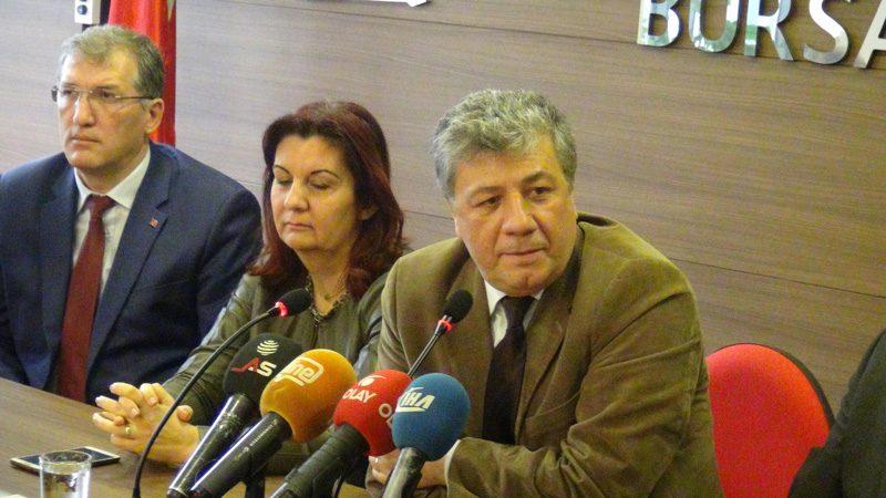 FOTO:DHA - CHP'li Mustafa Balbay, Bursa'da basın toplantısı düzenledi.
