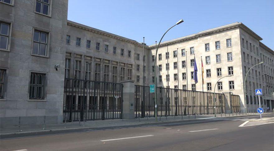 Alman Maliye Bakanı Schaeuble'ye Yunanistan'dan bombalı paket