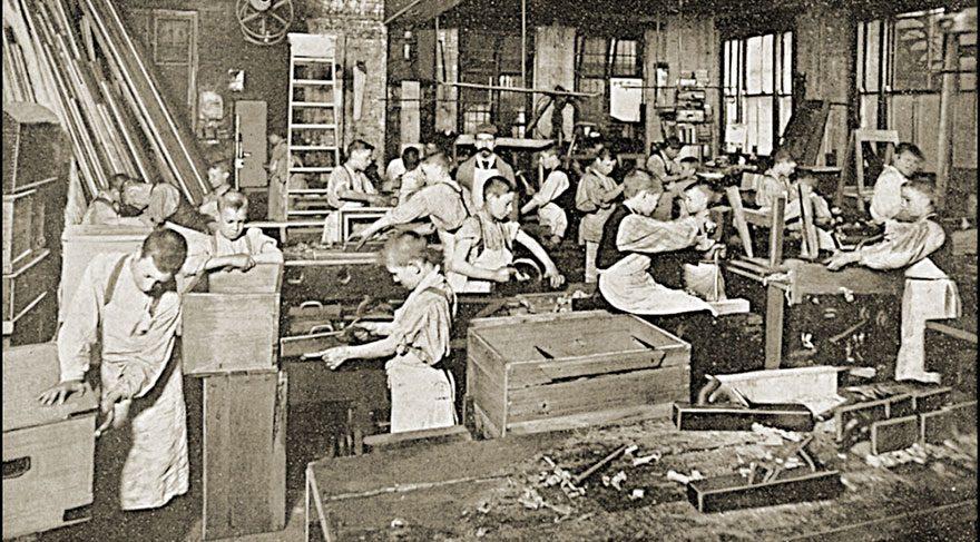 Ortaöğretim yönetmeliğinde çocuk işçiliği özendirecek değişiklik yapıldı