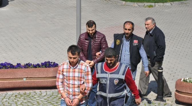 İnegöl'de FETÖ operasyonu: 4 gözaltı