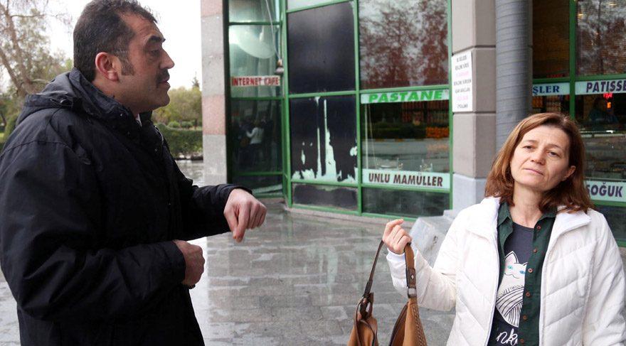 Foto: DHA - Marmaris Toplum Sağlığı Merkez'inde görevli doktor Sevim Sütçüoğlu (sağda), şehirlerarası otobüsle yolculuk yaptığı sırada dağlık alanda trafik kazasına tanık olunca araçtan inerek yaralılara müdahale etti. Otobüsün şoförü Mehmet İskender (solda) telefonla ulaşamadığı doktoru dağ başında bırakarak yoluna devam etti.
