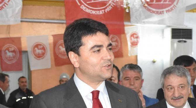 DP Genel Başkanı Uysal 'hayır' kampanyasını Uşak'ta sürdürdü