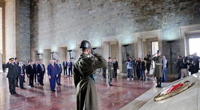 ABD Dışişleri Bakanı Rex Tillerson Anıtkabir'i ziyaret etti