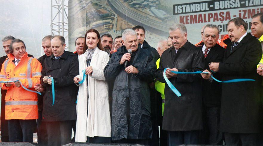 İzmir'de yol açılışı