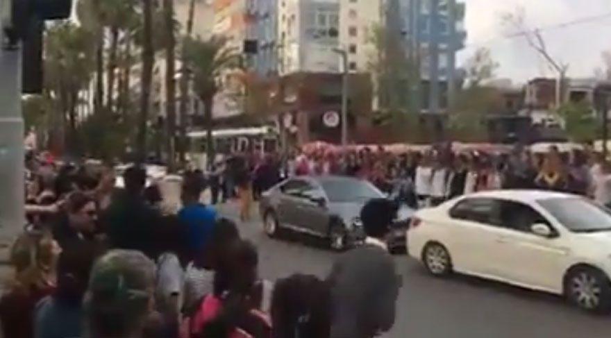 Antalya'da coşkulu İzmir Marşı