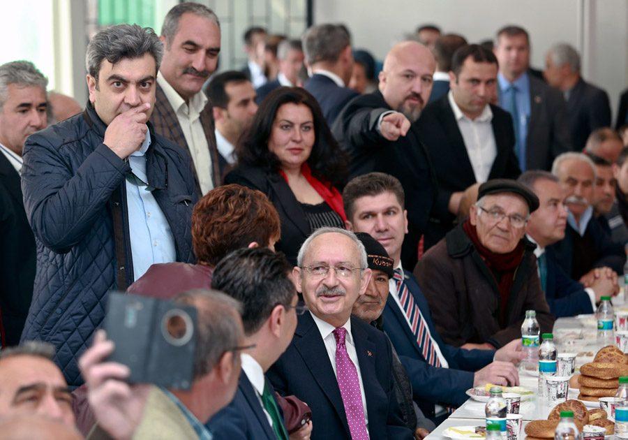 FOTO:DHA - Kılıçdaroğlu Burdurlularla buluştu.