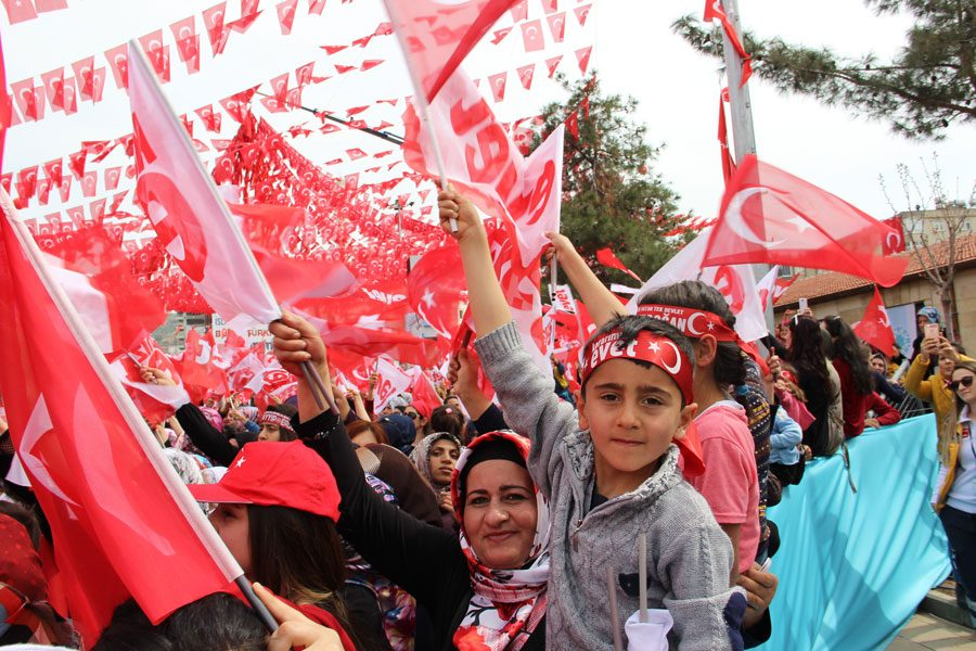 FOTO:İHA - Erdoğan, Mardinlilerden 'evet' oyu istedi.