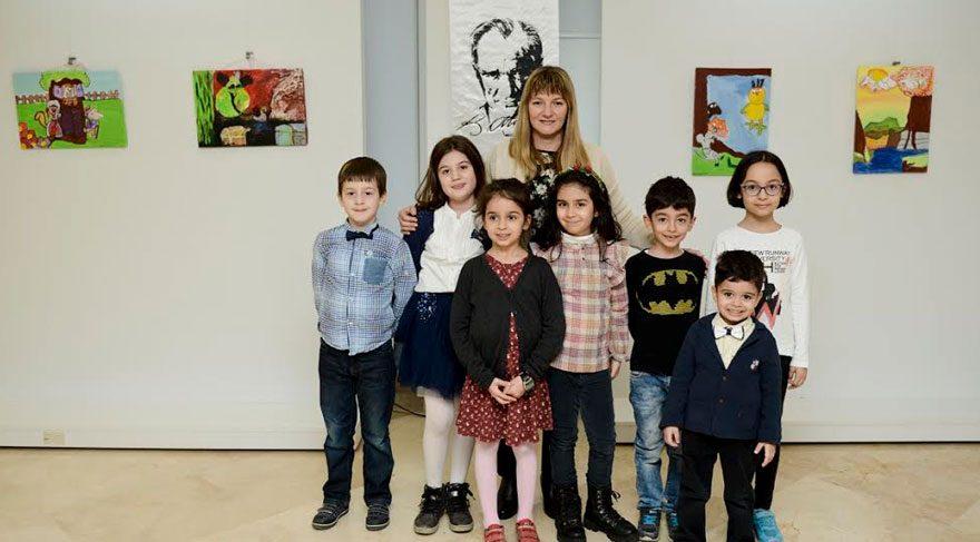 Çocuk ressamlardan karma resim sergisi