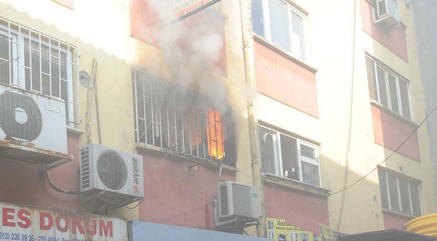 Son dakika haberi… Karaköy'de yangın paniğe yol açtı