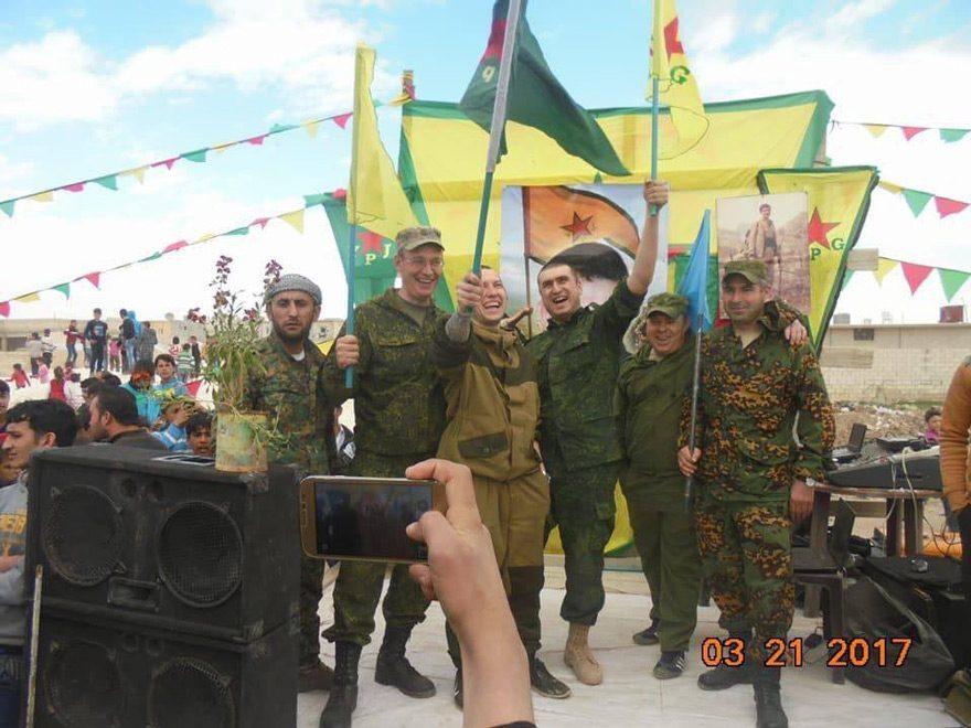 Rus askerleri son olarak Menbiç'te nevruz kutlamalarında görüntülenmişti.