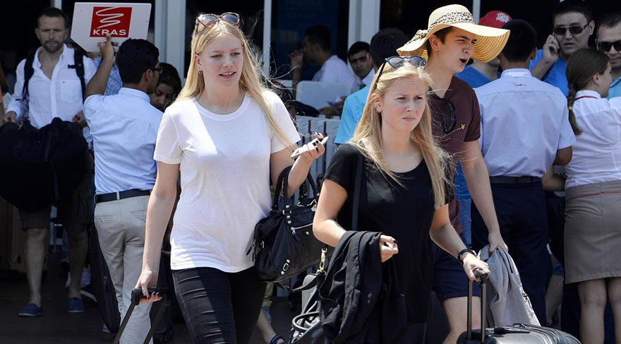 Rus turistler geri dönüyor