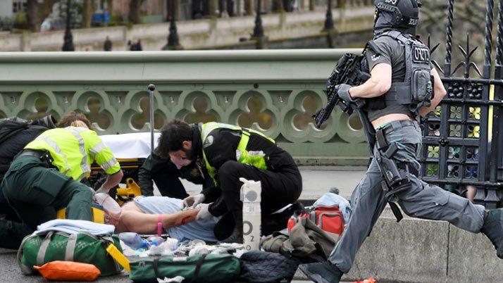 Son dakika... Londra'da sıcak saatler: 4 ölü ve çok sayıda yaralı var