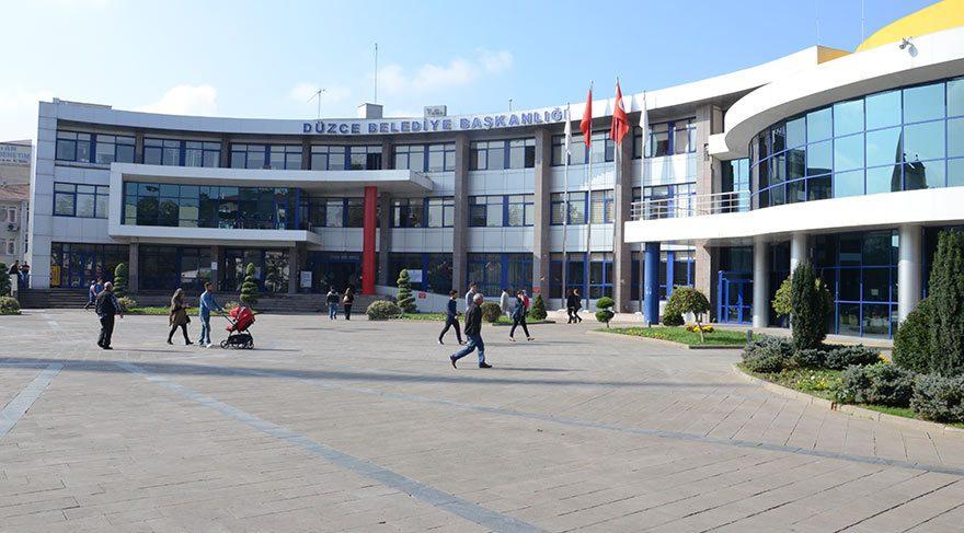 Belediye şirketi, AKP yöneticisini çifte maaşa bağladı!