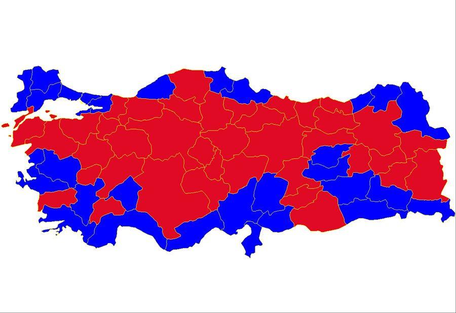 1987 referandumu. Maviler 'evet' kırmızılar 'hayır' Az farkla evet oyu önde çıkmıştı.