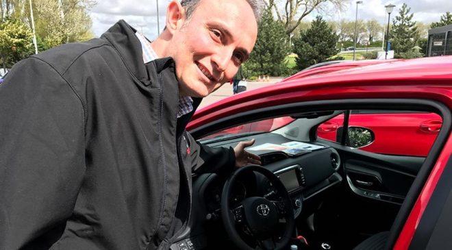 Yaris'in iç tasarımı Toyota Avrupa Ar-Ge Mühendisi Özgür Taştekin'den soruluyor.