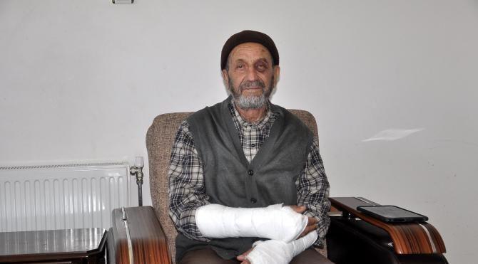 Yaşlı adama saldırıp kollarını kırdılar
