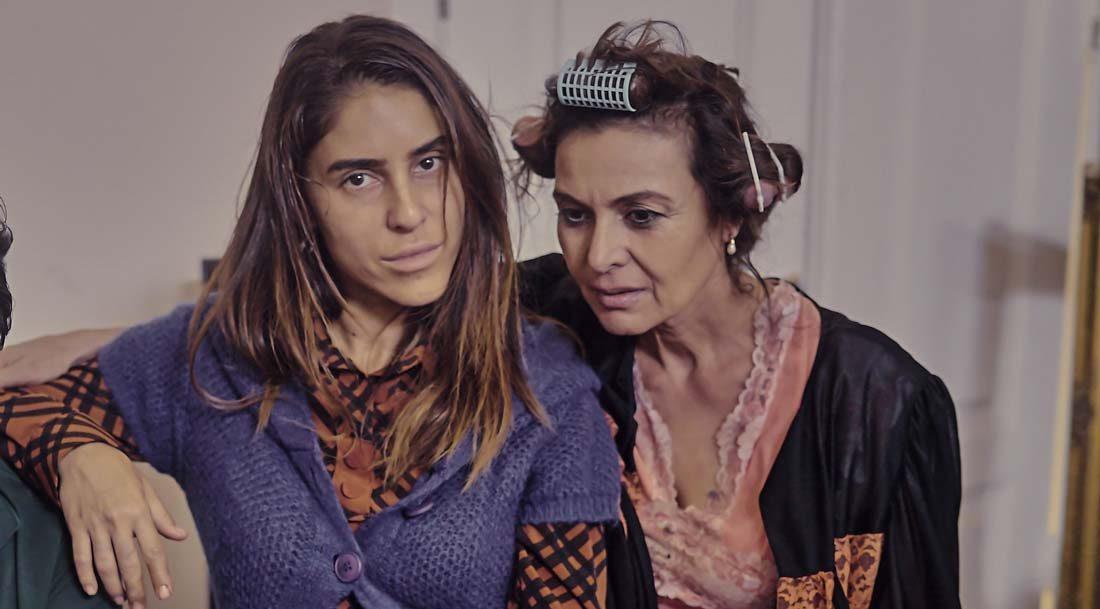 Hatice Aslan ve Irmak Ünal, Kapan adlı kısa filmde başrolü paylaştı