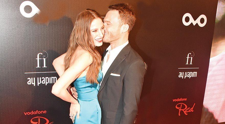 Serenay'ı öpücüklere boğdu
