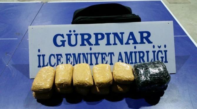Gürpınar'da 7 kilo eroin ele geçirildi