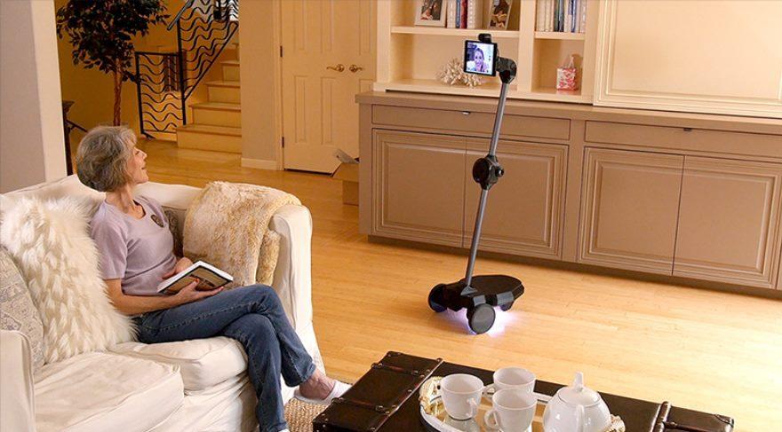 Aile üyelerinin özlemini gidermek için robot geliştirildi!