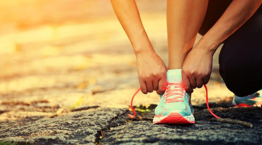 Neden ayakkabı bağıcıklarımız çözülüyor?