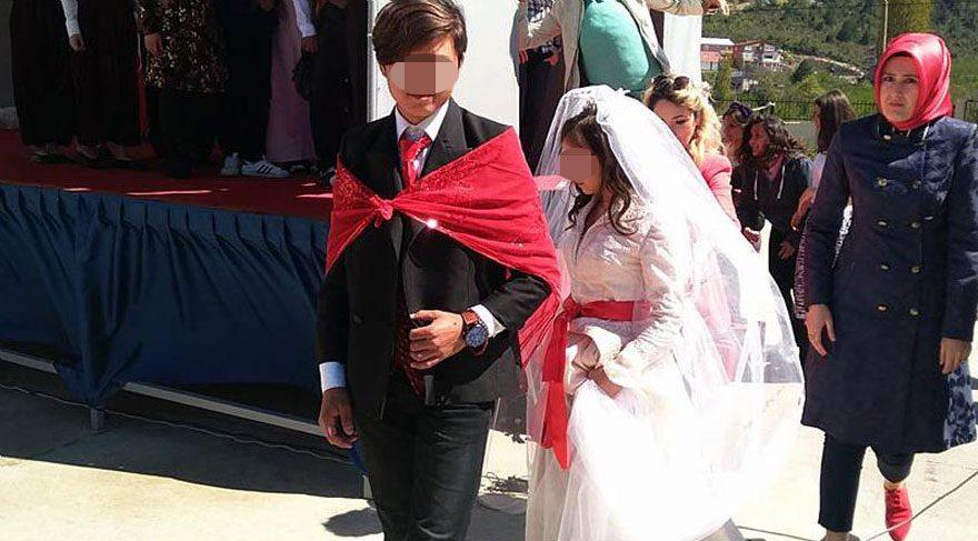 Lise öğrencilerine gelinlik ve damatlık giydirildi!