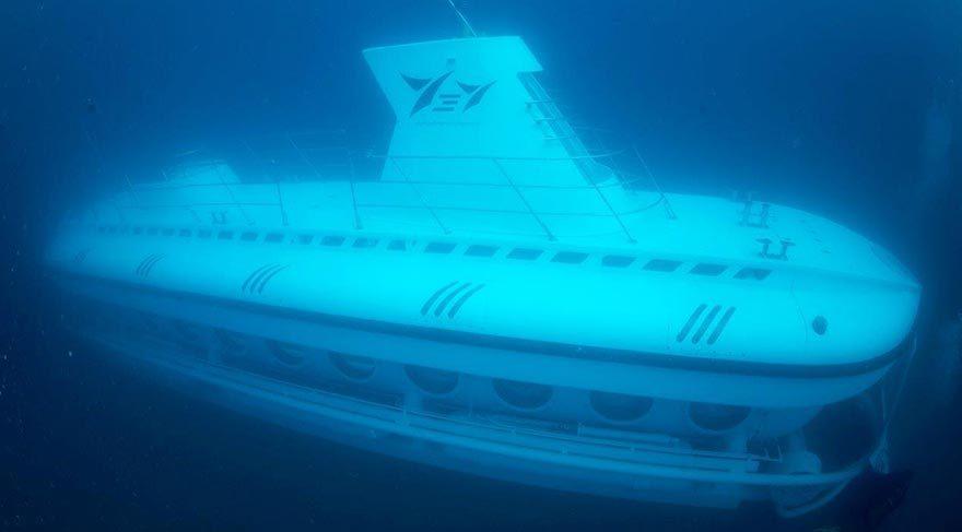 Türkiye'nin turistik denizaltısı Nemo ilk dalışını yaptı