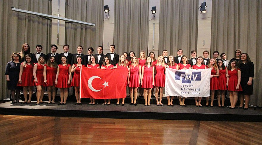 FMV Erenköy Işık Lisesi Macaristan'dan bronz madalya ile döndü