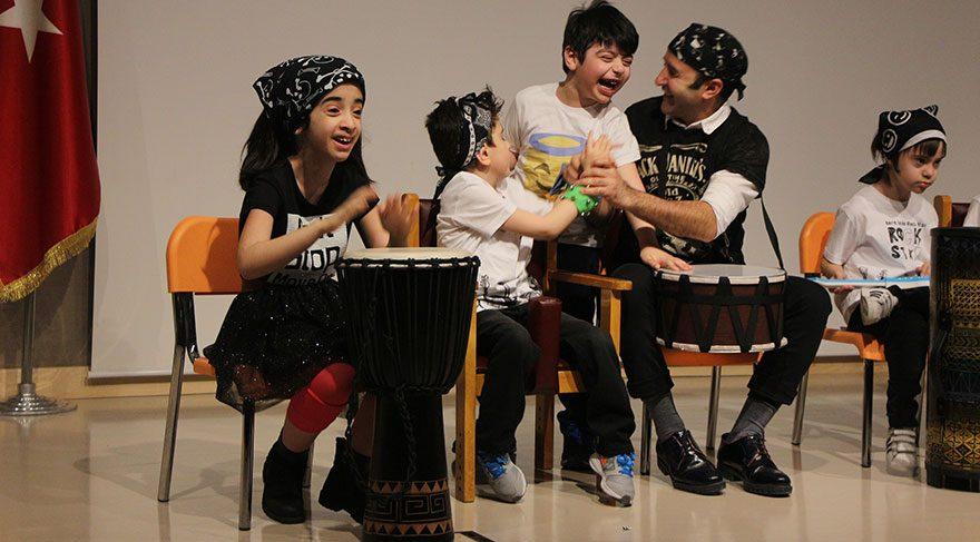 Özel çocuklardan özel 23 Nisan gösterİsi