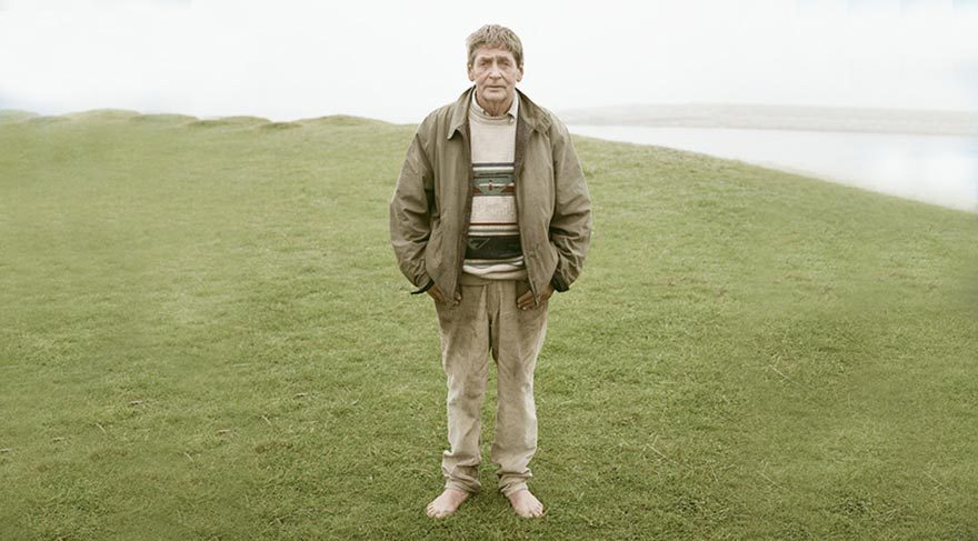 İrlanda kıyısındaki adada tek başına yaşayan adam