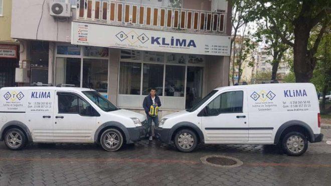 Mehmet Tok, biriktirdiği parayla 2 hafif ticari araç ve bir motorsiklet satın aldı