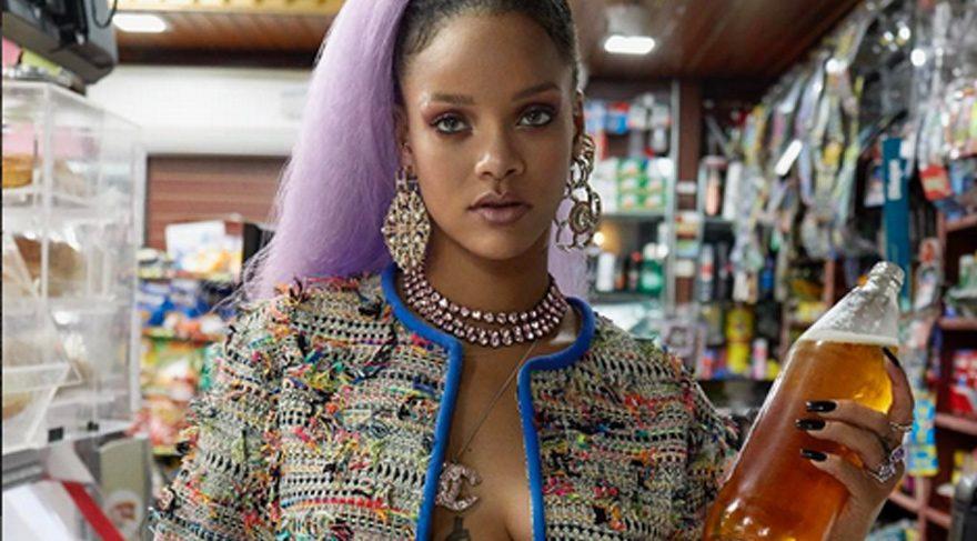 Rihanna'nın Kraliçe paylaşımı eleştiri aldı