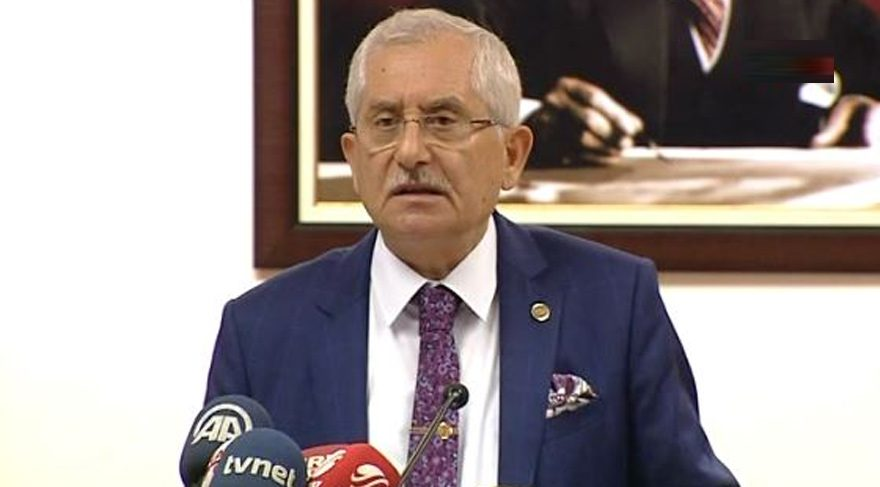 """YSK Başkanı Sadi Güven, dün sandıklar kapandıktan sonra """"mühürsüz pusulalar da geçerli"""" dedi. Tartışmaların fitilini ateşledi."""