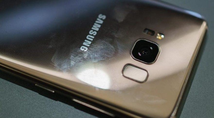 Samsung Galaxy S8'de ilk hata kabul edildi!