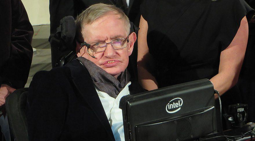 Stephen Hawking: Yapay zeka insanlığı bitirecek