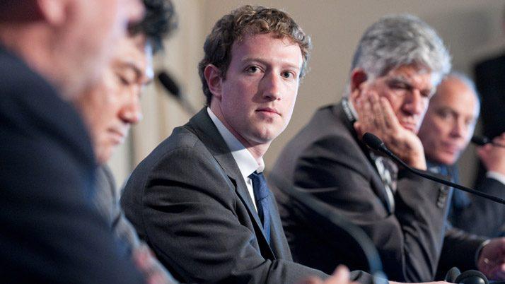 Facebook akıllı telefonları bitirmeye geliyor
