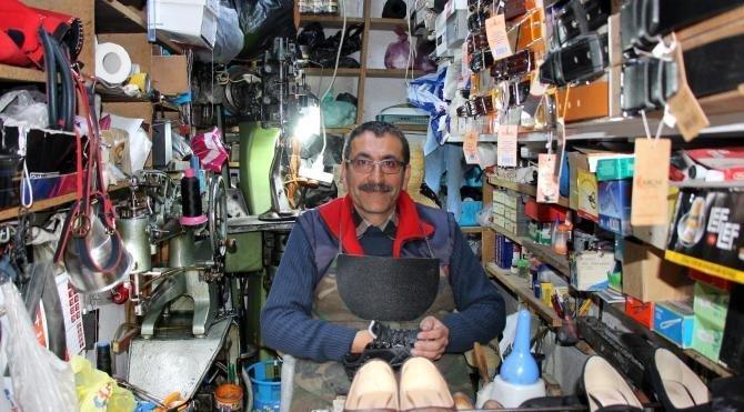 35 yıllık ayakkabı tamircisi: Biz son kelaynak kuşu gibiyiz