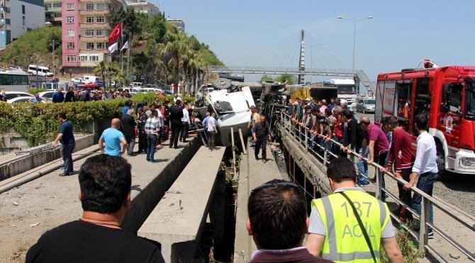 Samsun'da tır ve kamyon çarpıştı: 2 yaralı