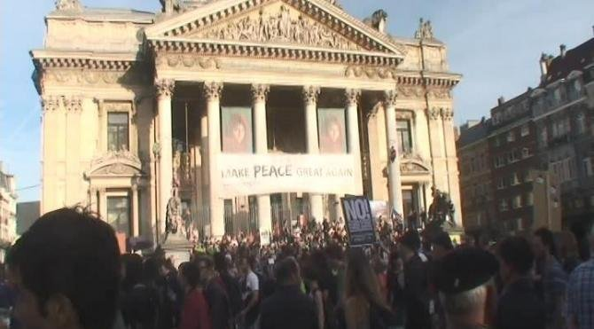 Brüksel'de NATO karşıtı protesto düzenlendi