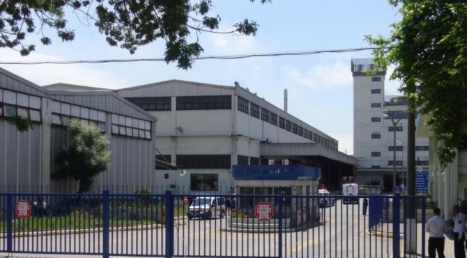 Çayırova'da cam elyaf fabrikasında yangın ucuz atlatıldı